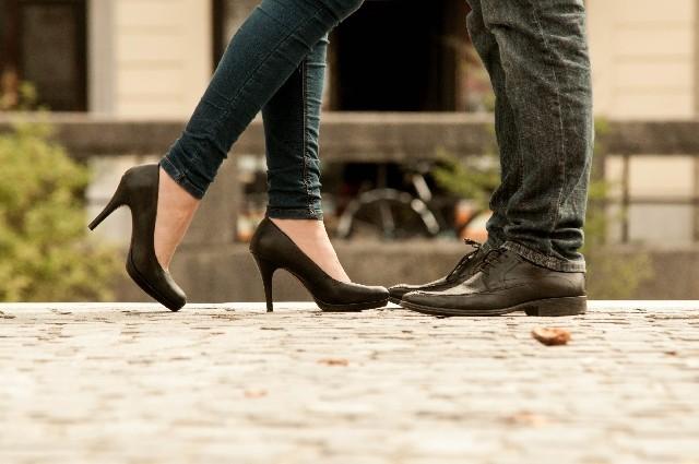 恋愛に駆け引きは必要?気になるあの人を落とすコツ